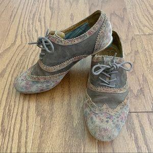 Anthropologie J Shoes Suede Floral Oxfords 7